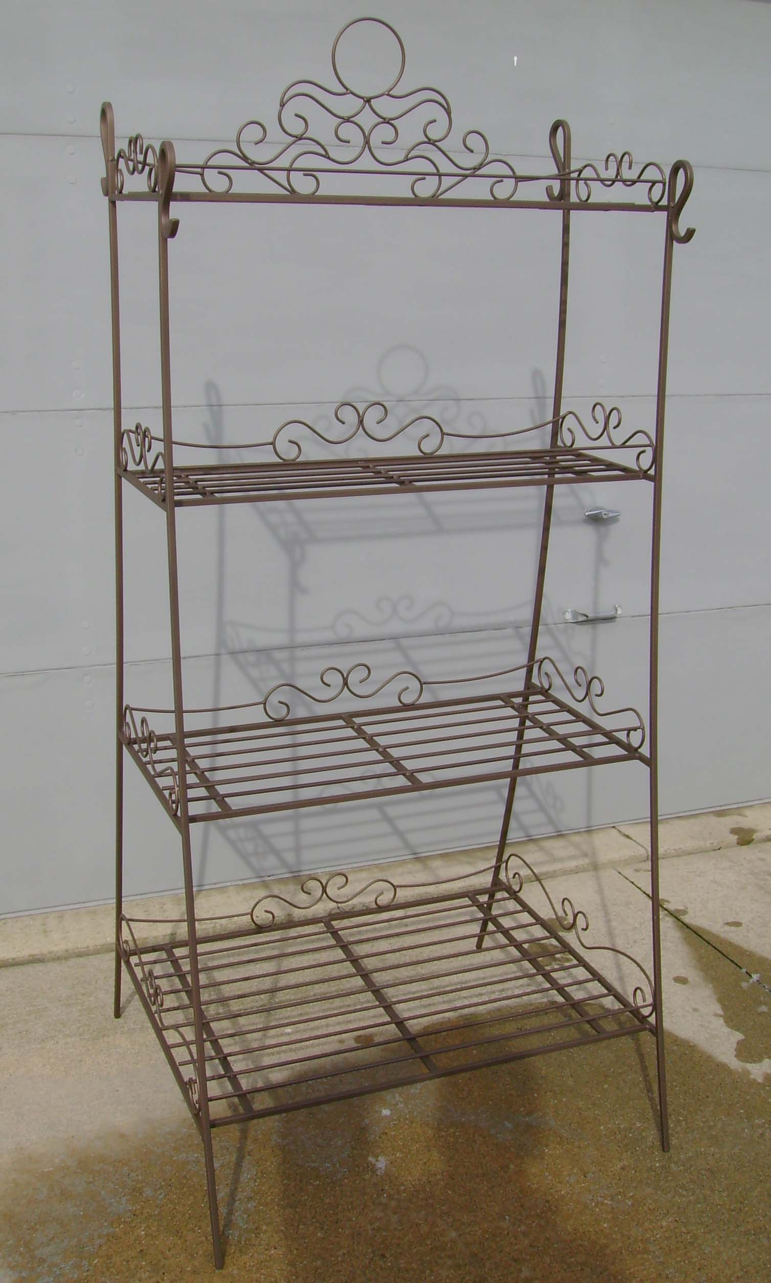 outdoor metal plant shelves